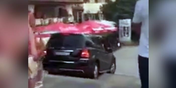 В Анапе пьяный водитель ехал по пешеходной лестнице и кричал на прохожих