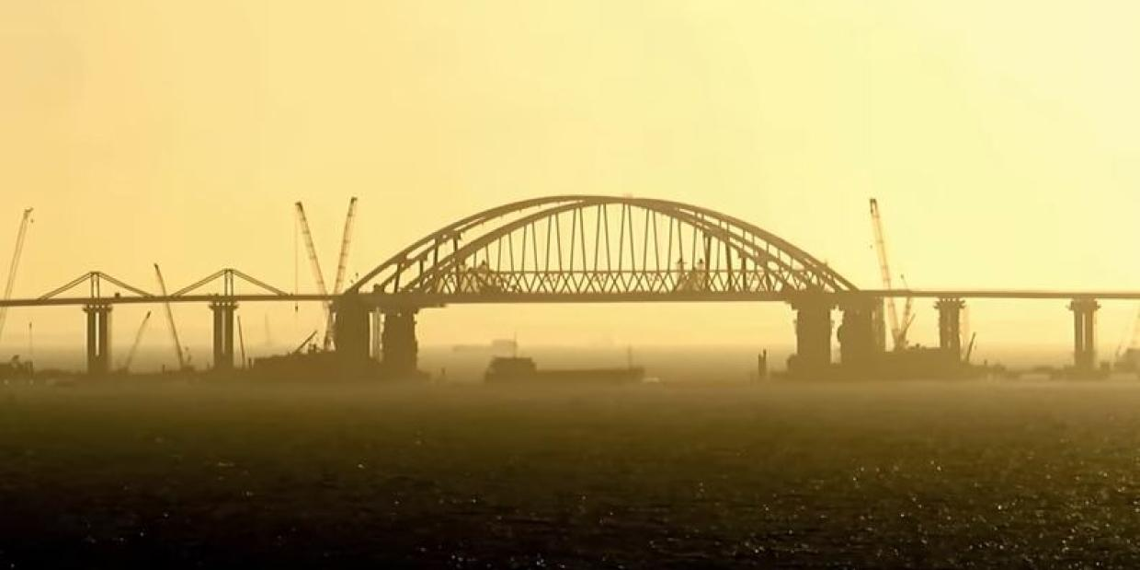 ЕС расширил санкции против России из-за Крымского моста
