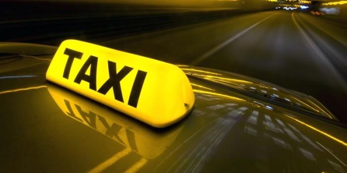 В Красноярске за должниками приезжает такси на кладбище