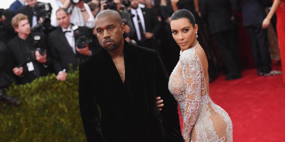 """""""Она забрала все"""": Канье Уэст расплакался, рассказав о причинах развода с Ким Кардашьян в новой песне"""