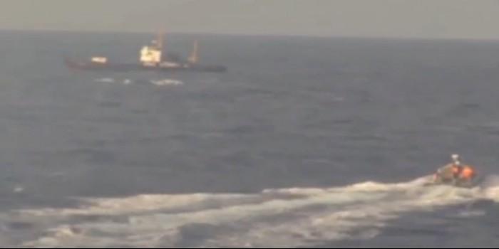 Появилось видео со спасением украинского судна российскими моряками