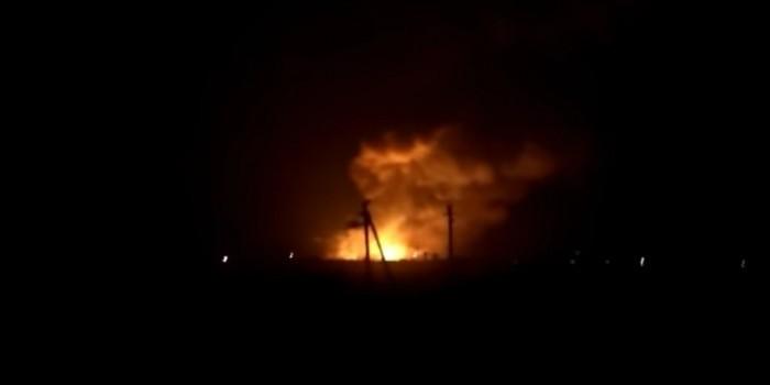 Появилось видео взрывов на крупнейшем военном складе Украины