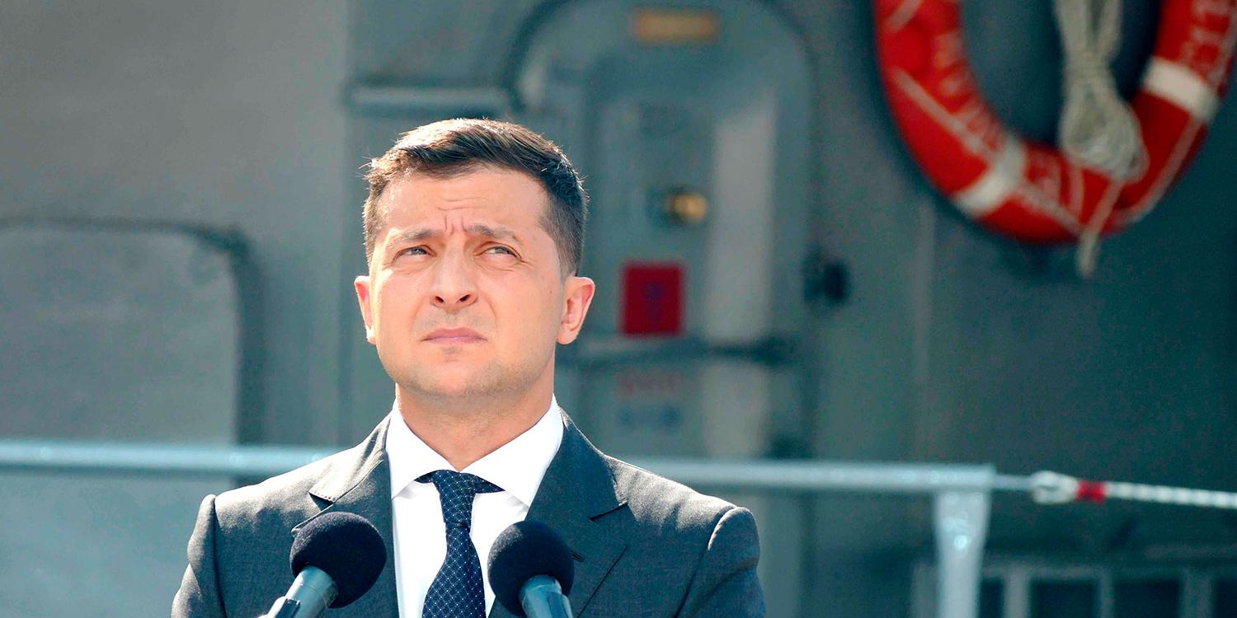 В Совфеде ответили на планы Зеленского написать в Ялте на песке про Крым