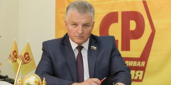 Российский депутат отделался штрафом в 5 тысяч за избиение соседки