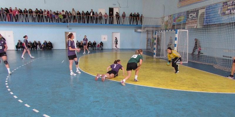 Украинские гандболистки устроили массовую драку во время матча