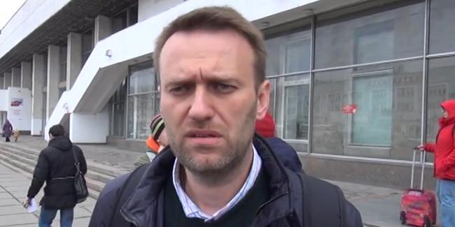 Эксперт: Навальный, нарушая закон, создает имидж преследуемого властями политика