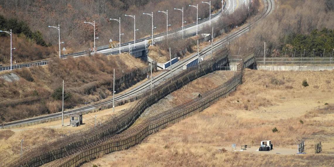 Южнокорейцы не поверили сбежавшему из КНДР гимнасту и потребовали дважды повторить прыжок через 3-метровый забор