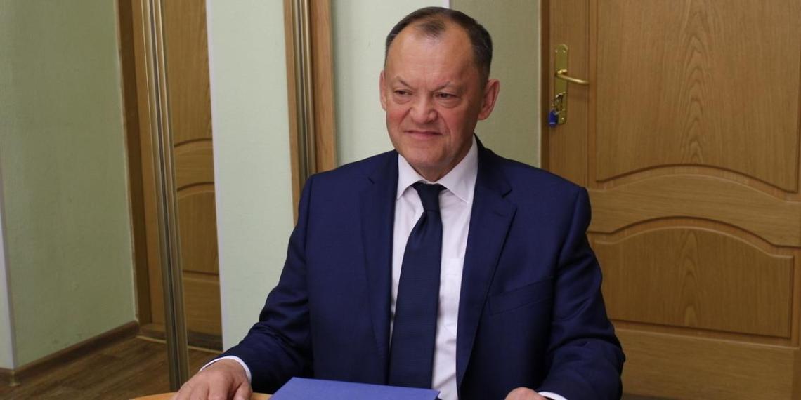 Депутат посоветовал россиянам при встрече с начальством кланяться и не перечить