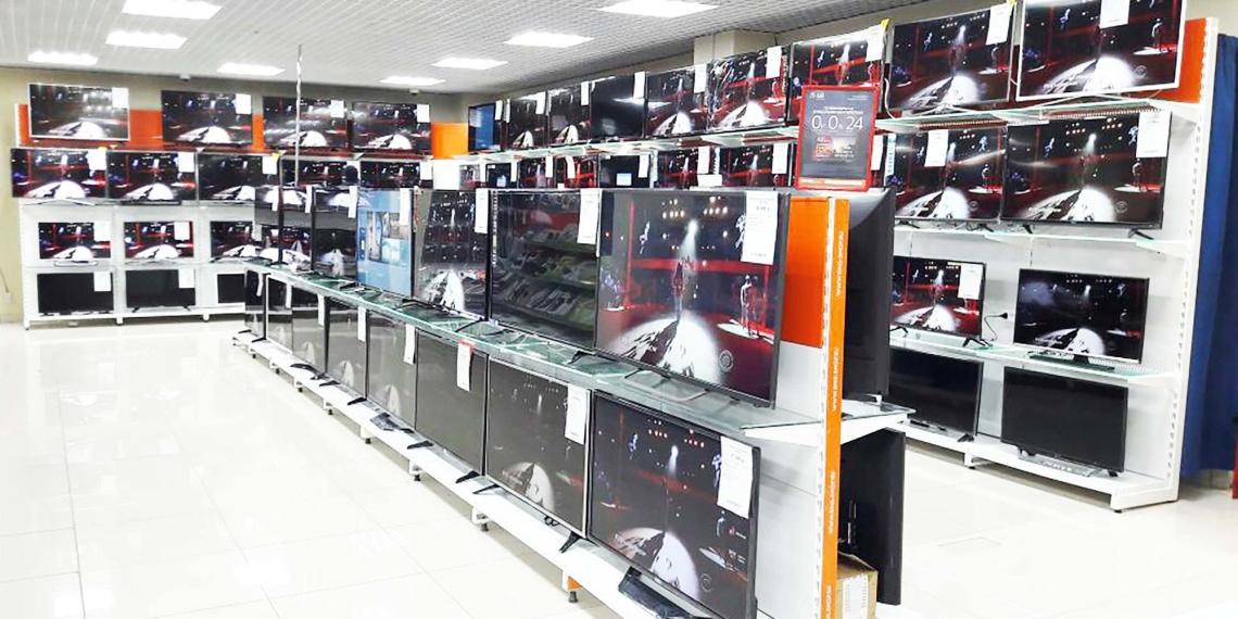 Российских ритейлеров предупредили о росте цен на электронику и бытовую технику