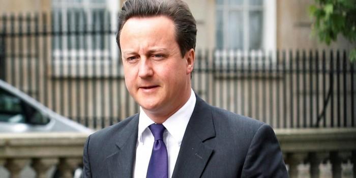 Кэмерон не заметил включенный микрофон и оскорбил две страны