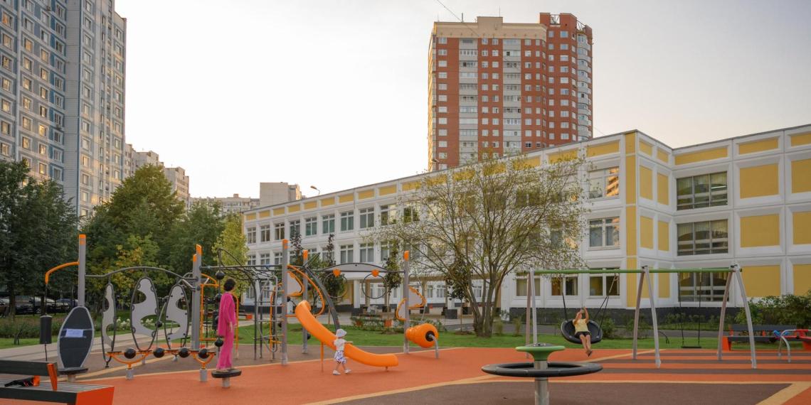В Москве открылись 25 новых школ и детсадов
