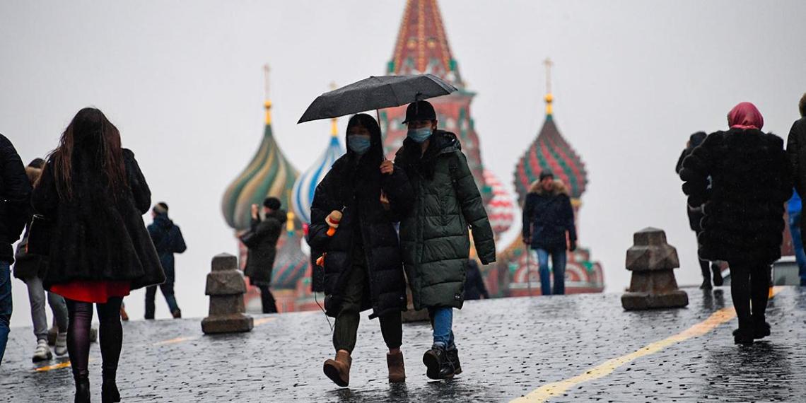 """Главконтроль Москвы: маски и """"удаленка"""" спасают столицу от более жестких ограничений"""