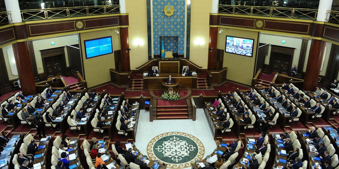 Правящая партия Казахстана сохранила большинство в новом парламенте