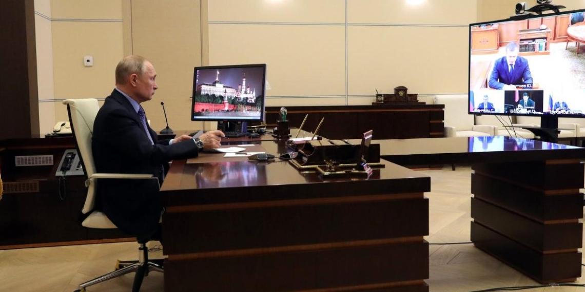 Путин оценил самоотверженную работу российских медиков