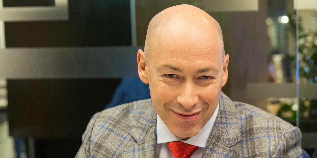 Украинский журналист призвал запретить российские телеканалы во всем мире