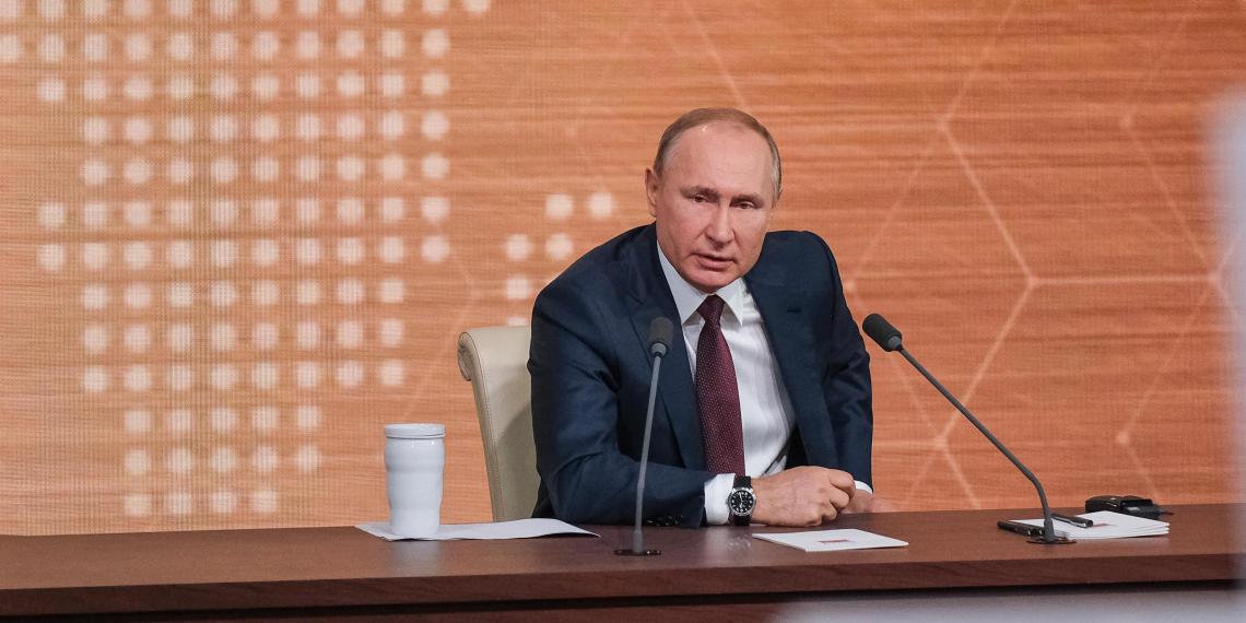 """""""Легализация материалов американских спецслужб"""": Путин высказался про расследования о Навальном"""