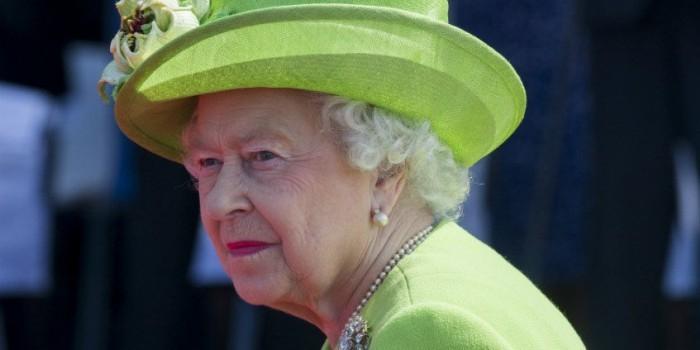 Елизавета II разрешила Терезе Мэй начать процедуру Brexit