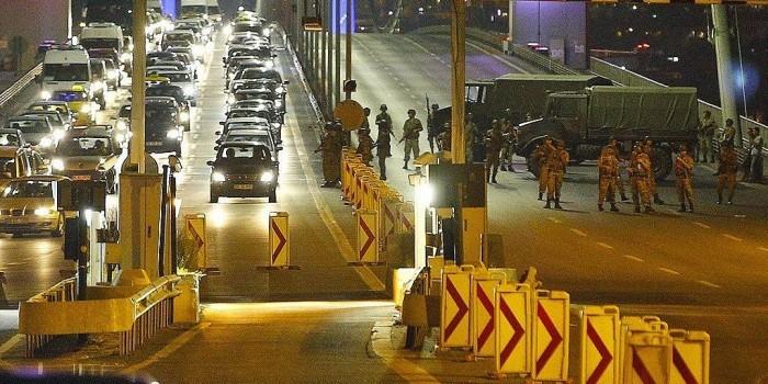 В Турции военный переворот: армия свергает Эрдогана