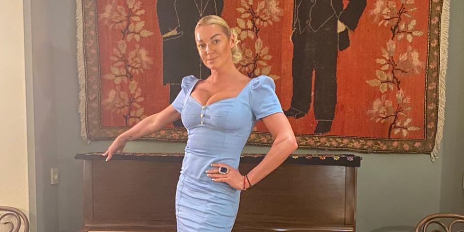 """""""Мне сейчас тяжело"""": Волочкова пожаловалась на нехватку денег, объявив о распродаже 19 квартир"""