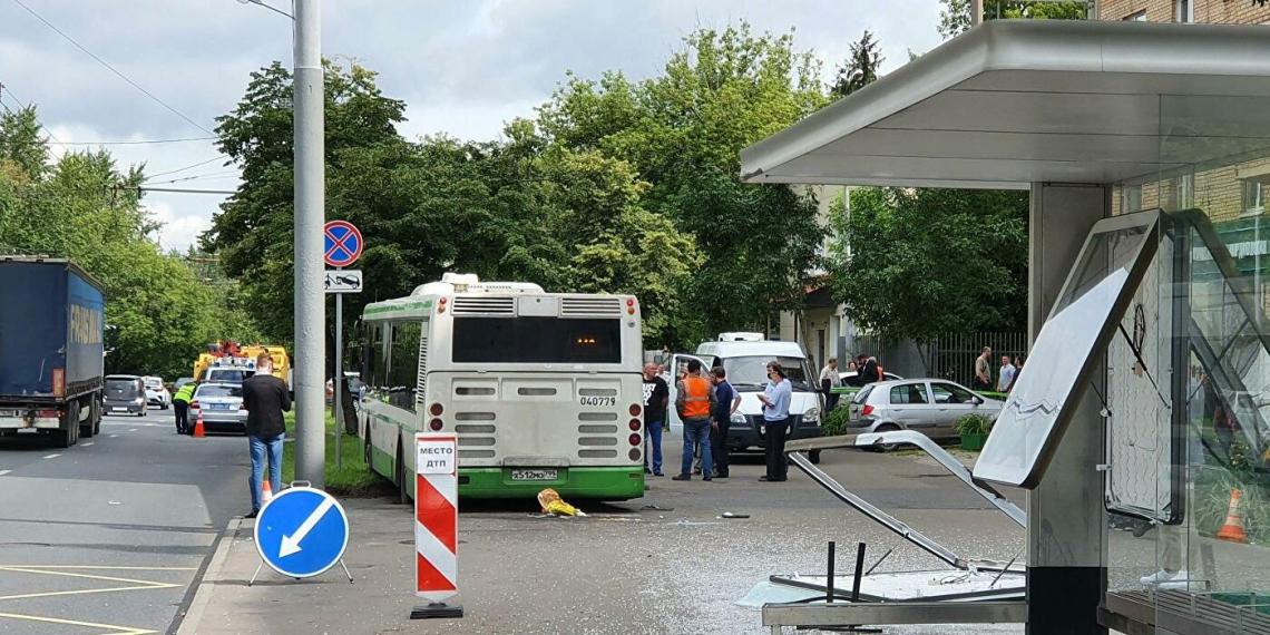 Власти Москвы помогут семье женщины, сбитой насмерть автобусом