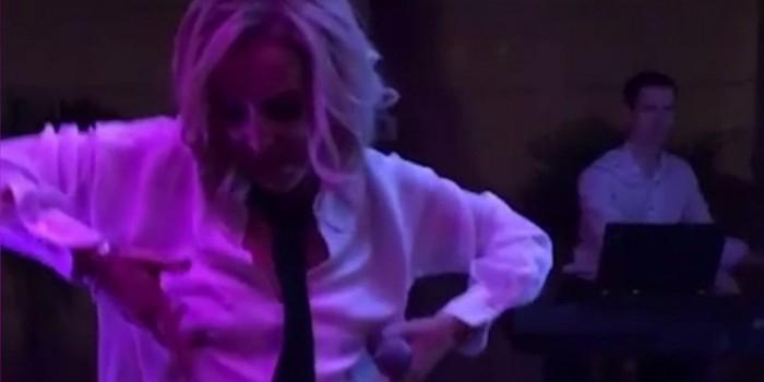 Бросившая мужа Бузова устроила эротические танцы на дне рождения подруги