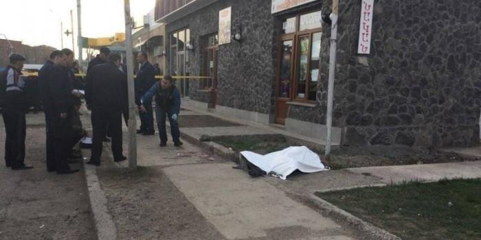 Российского военнослужащего убили в Армении