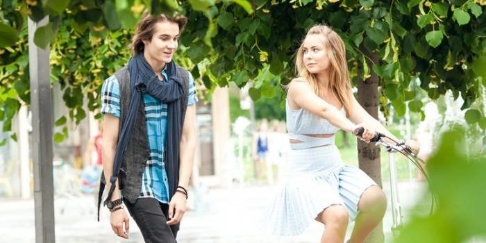 Падчерица Дмитрия Пескова выпустила дебютный клип