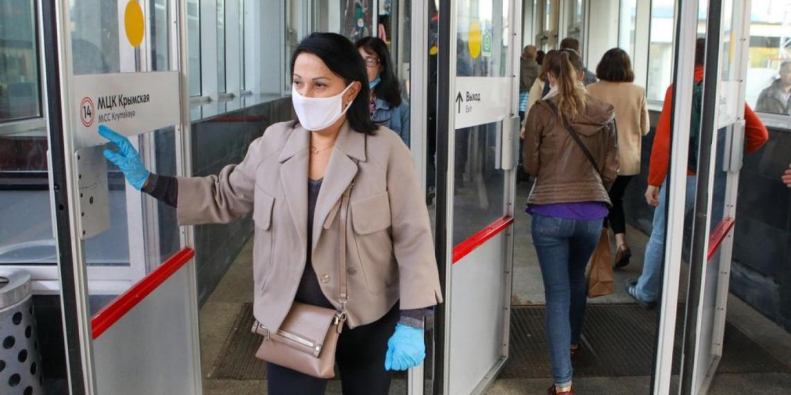 Пассажиров в Москве перестанут пускать в транспорт без масок и перчаток