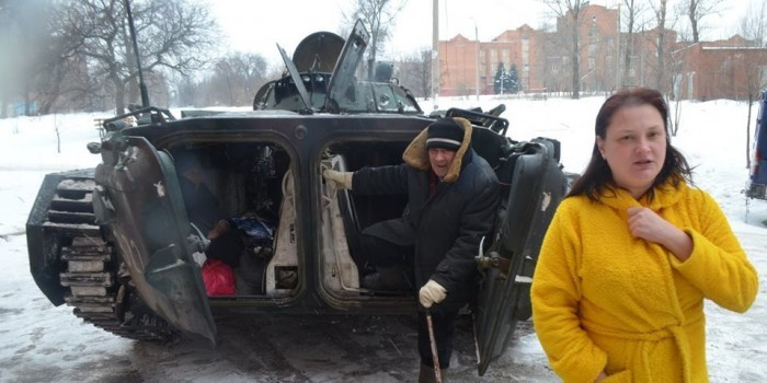 Ополченец из Донецка разоблачил постановочную эвакуацию для российских журналистов