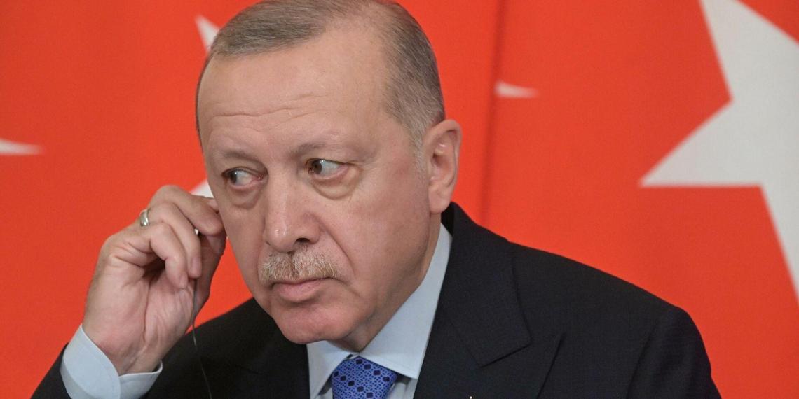 Эрдоган резко ответил на санкции США против Турции