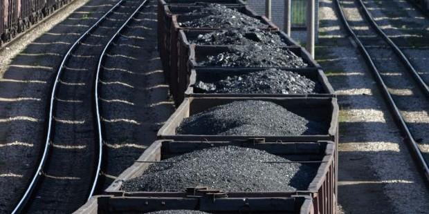 Двое кузбассовцев украли более полутонны угля, желая опохмелиться
