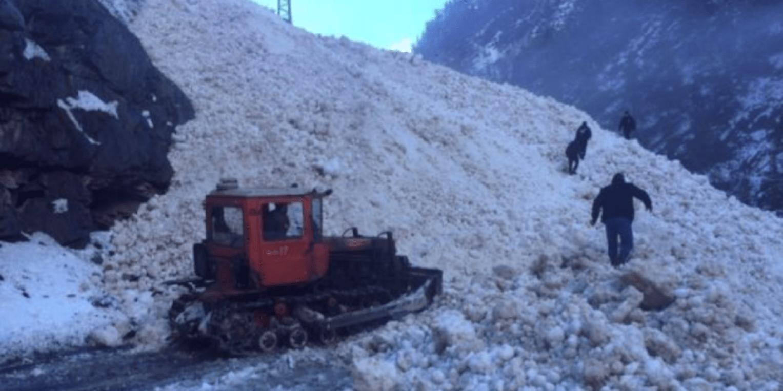 Появилось видео схода лавины в Дагестане