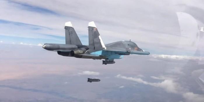 Клинтон призвала создать бесполетную зону в Сирии, чтобы надавить на Россию