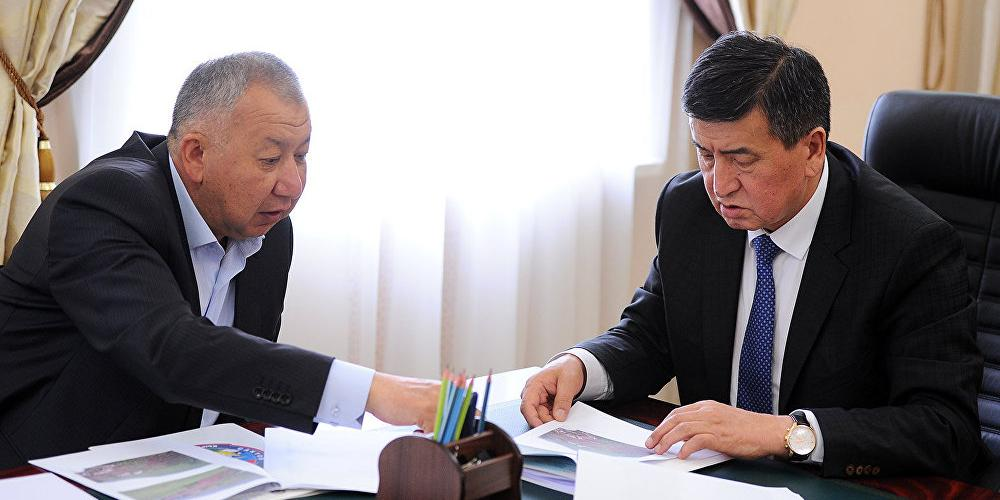 Президент и премьер Киргизии пустились в бега