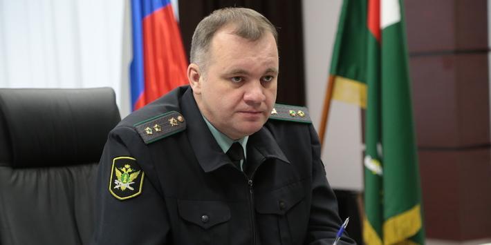 Сына главного новосибирского пристава задержали за распространение наркотиков