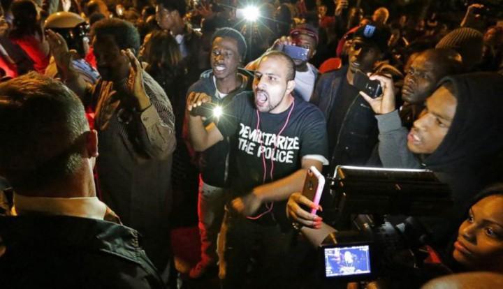 Сент-Луис: город всколыхнуло убийство чернокожего парня, подобное драме в Фергюсоне