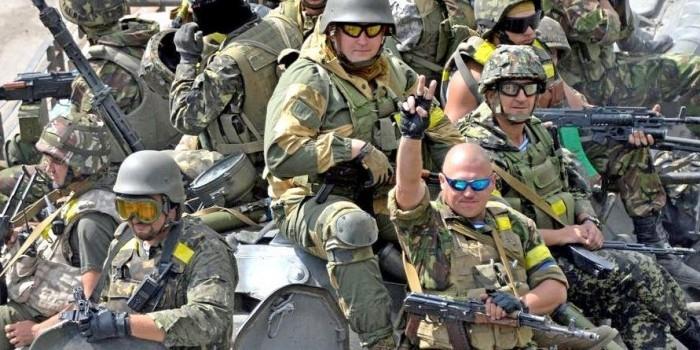 Американский блогер рассказал о кадровых офицерах стран Запада на Донбассе