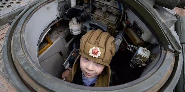 ВЦИОМ: Популярность армии в России достигла исторического максимума
