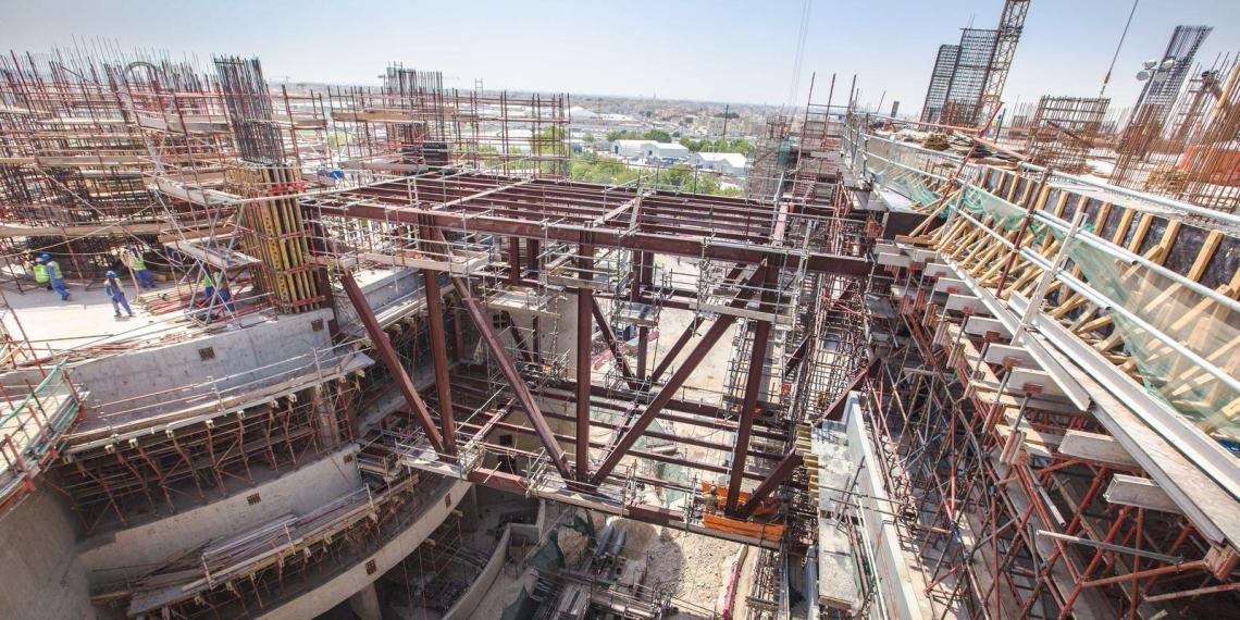 В Катаре при строительстве объектов к ЧМ-2022 погибает по 12 человек в неделю