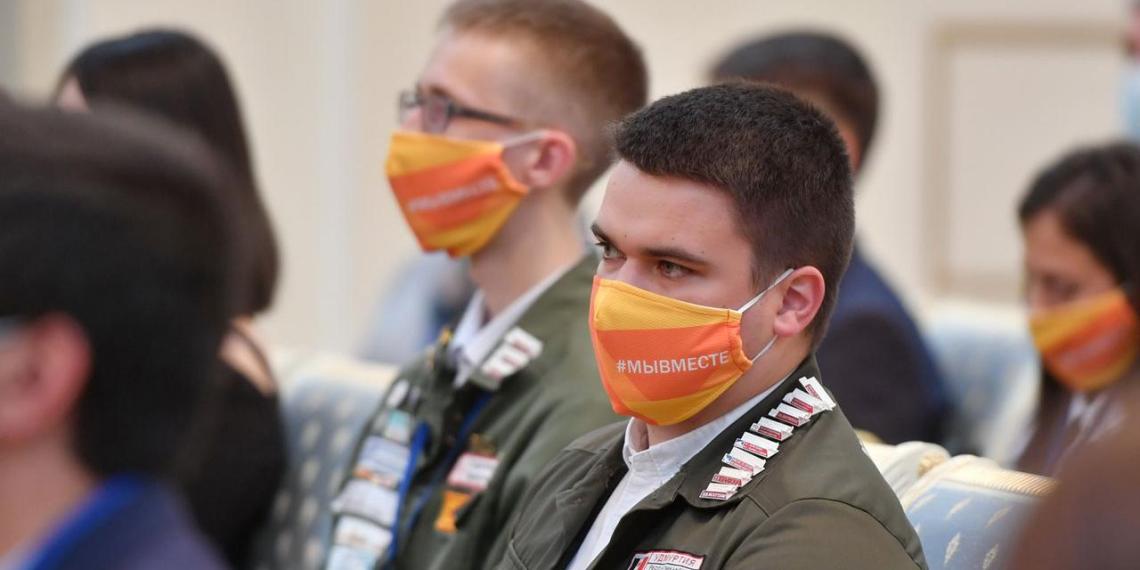 Путин отметил вклад медицинских студенческих отрядов в борьбу с коронавирусом