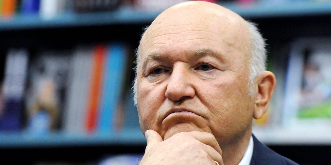 Лужков высказался против памятника Калашникову