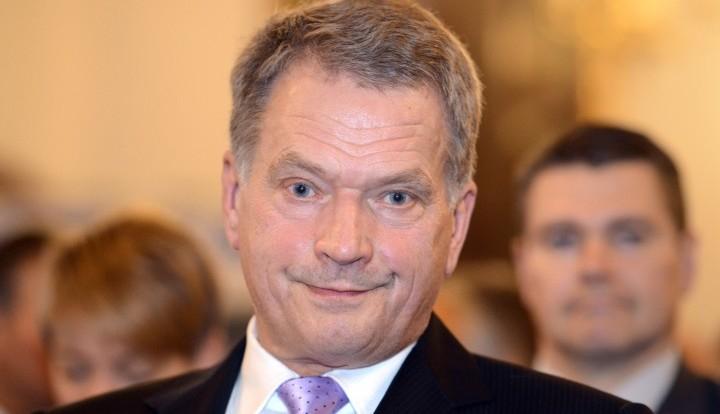 Финский президент настаивает на сохранении санкций против России