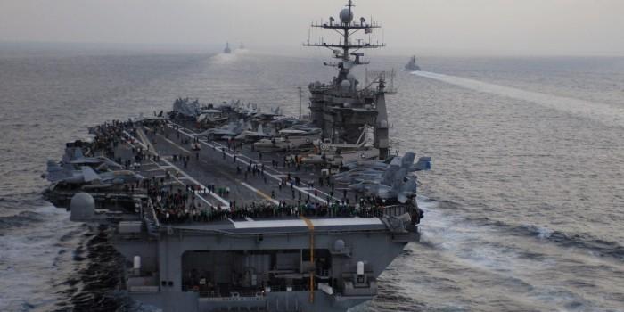 """Пентагон перебросил авианосец """"Гарри Трумэн"""" в Средиземное море для """"сдерживания России"""""""