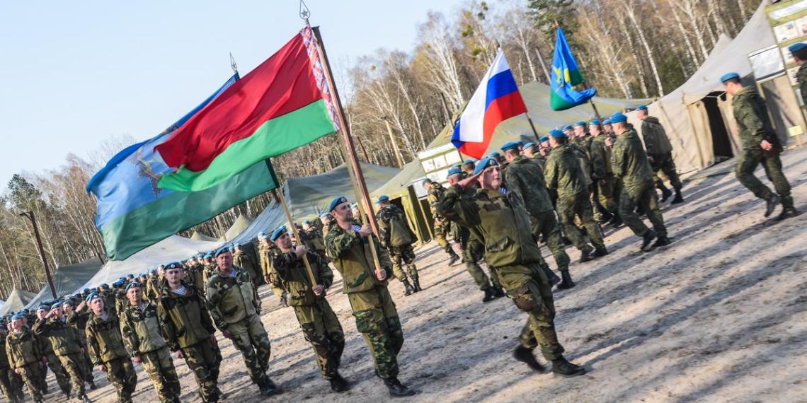 Россия и Белоруссия создадут три центра подготовки военных