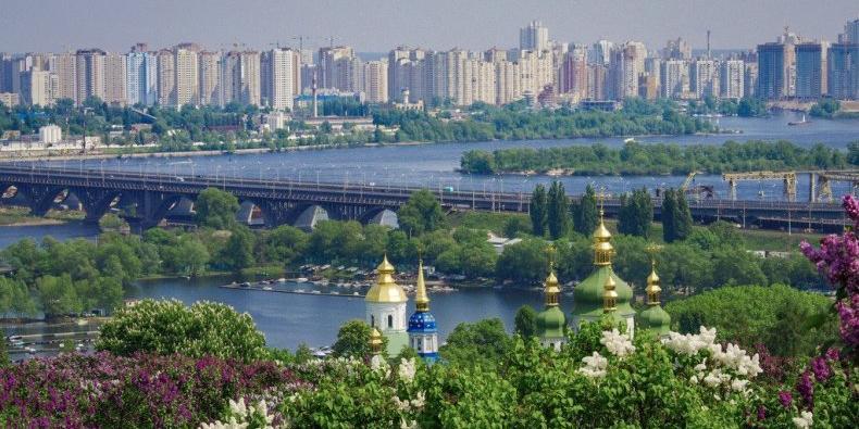 Киевскую школьницу внесли в базу Миротворца за критику украинского языка