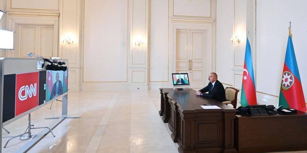 Алиев предложил Франции отдать армянам Марсель