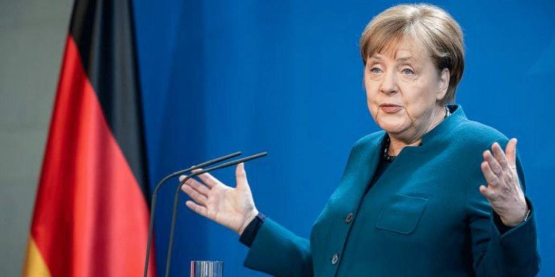 """Меркель намерена свести отношения России и ЕС к """"мирному сосуществованию"""""""