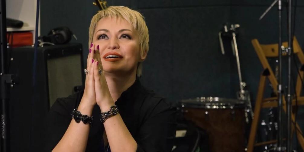 """""""Совсем скоро они придут"""": Катя Лель снова заговорила об инопланетянах, рассказав о своих """"клонах"""""""