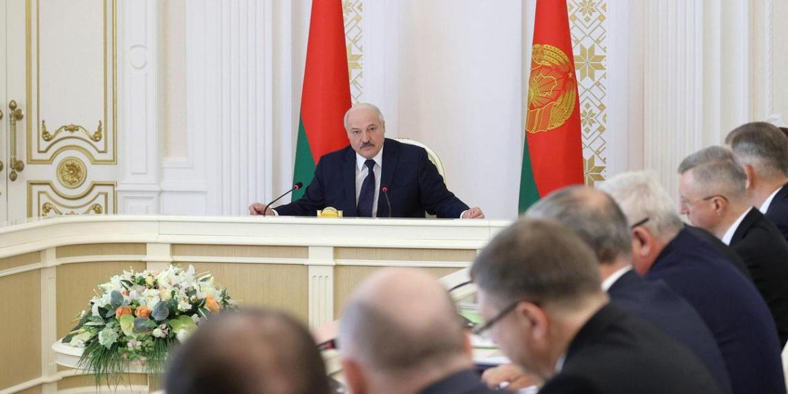 Лукашенко назвал условие признания Крыма российским