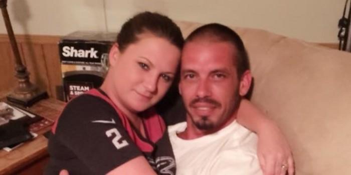 Американка бросила работу, чтобы кормить грудью своего 36-летнего бойфренда